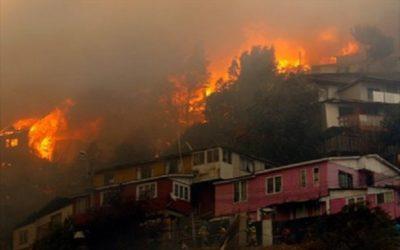 Viviendas de madera y latas, consumidas por incendio en el barrio el Dorado en la localidad de Santa fe